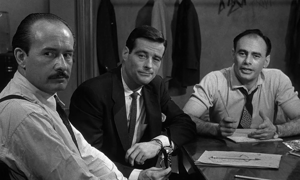 12 angry men legal issues 12 angry men is a 1957 american courtroom drama film adapted from a teleplay of the same name by reginald rose written and co-produced by rose himself and directed by sidney lumet.